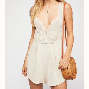 (NWOT) Spell Scorpio Cloth Romper - Size Small